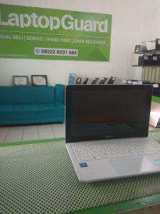 Laptop ASUS E202S Lambat