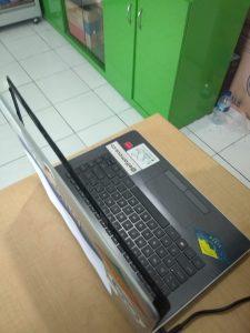 Servis Laptop HP 14 Layar Rusak / White Screen